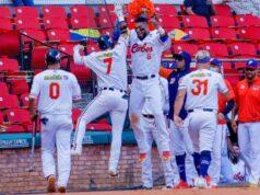 El Sumario - Caribes conquistan su primer triunfo en la Serie mundial