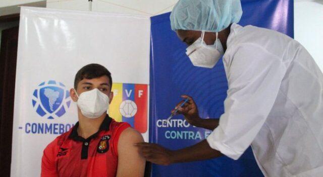 El Sumario - Futbolistas venezolanos comienzan a recibir primera dosis de la vacuna anticovid
