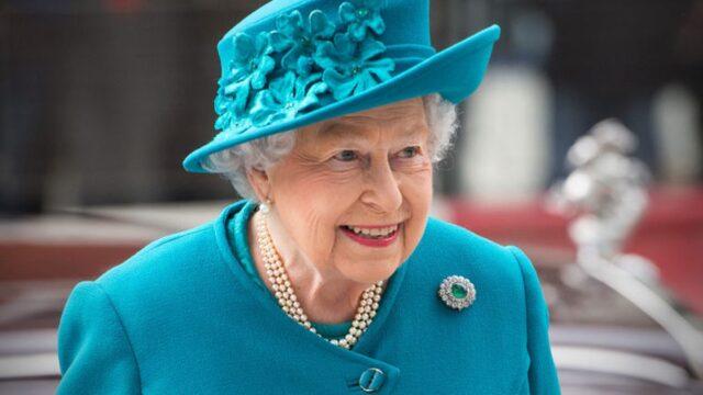 """El Sumario - Isabel II está """"encantada"""" por el nacimiento de su bisnieta"""