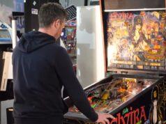 El Sumario - Observa la colección de máquinas recreativas de un aficionado por lo retro
