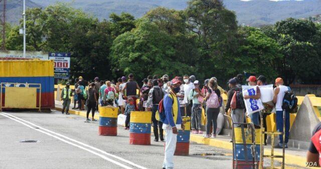El Sumario - Colombia reabrirá gradualmente los pasos fronterizos con Venezuela