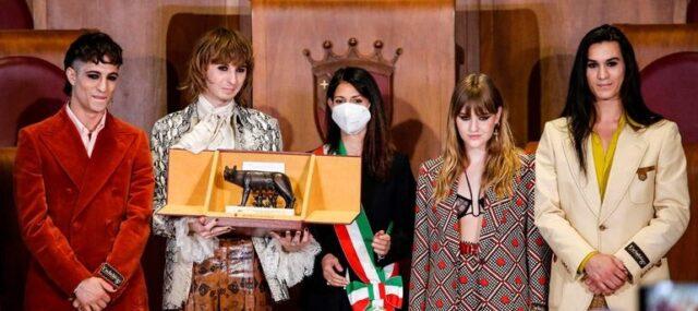 El Sumario - La banda Måneskin recibió un importante laurel en Roma