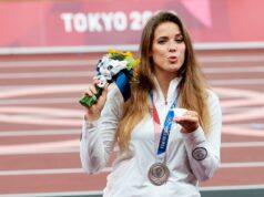 El Sumario - Atleta polaca subastó su medalla de plata para financiar la cirugía de un bebé