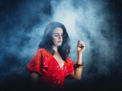 """El Sumario - Lana del Rey reveló la fecha de lanzamiento de su disco """"Blue Banisters"""""""